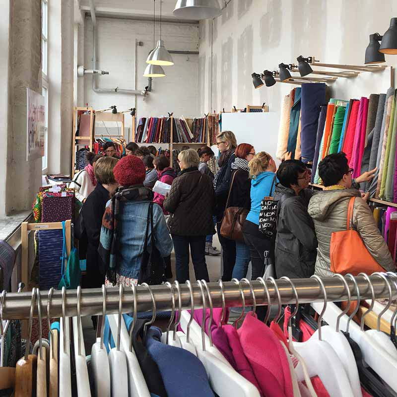 Ethnostoffe kaufen online und im Lager Augsburg